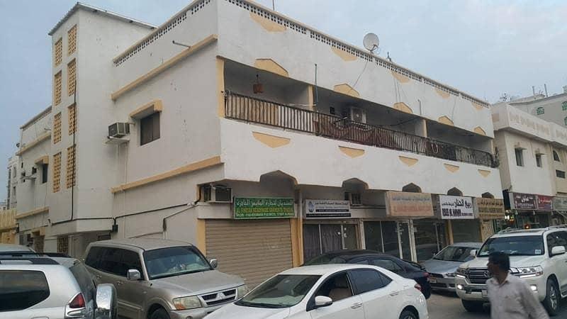 مبنى سكني في النعيمية 2100000 درهم - 3851259