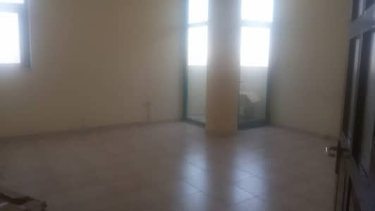 4 Bedroom Apartment for Rent in Abu Shagara, Sharjah - GIGANTIC FLAT OF 4 BEDROOM HALL FOR FAMILY OR OFFICE STAFF