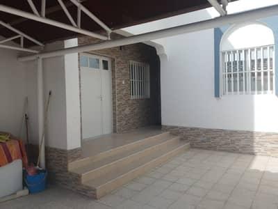 3 Bedroom Villa for Rent in Al Ghafia, Sharjah - Spacious 3 BHK Villa with huge majlis, living dining, split A/C, covd parking, hoash area, 3 baths