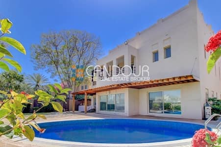 5 Bedroom Villa for Rent in The Meadows, Dubai - Fully Furnished   Meadows 5   Lake View