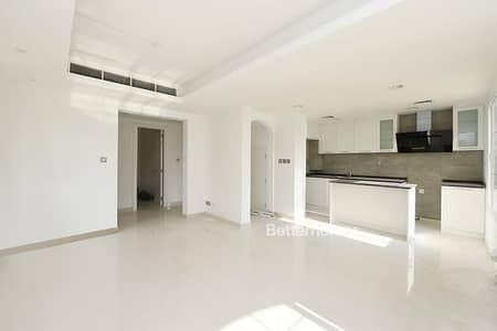فیلا 2 غرفة نوم للبيع في الينابيع، دبي - Fully Upgraded | Full Lake View |Type 4E