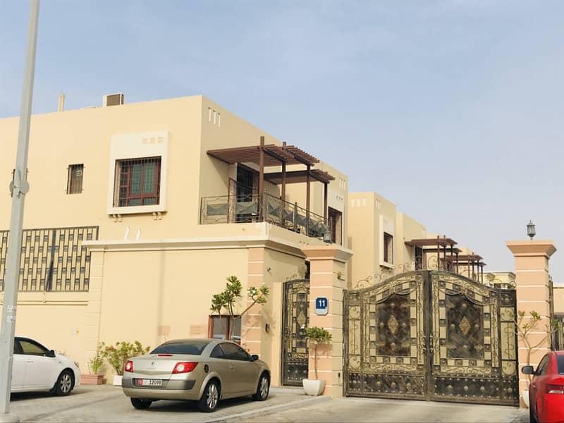 شقة في مجمع فيلات مدينة خليفة A 32000 درهم - 3594469
