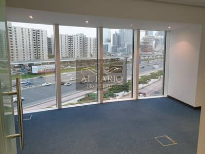 Office for Rent in Sheikh Zayed Road, Dubai - Best Price in SZR   Huge Fitted Office Space   Near Metro