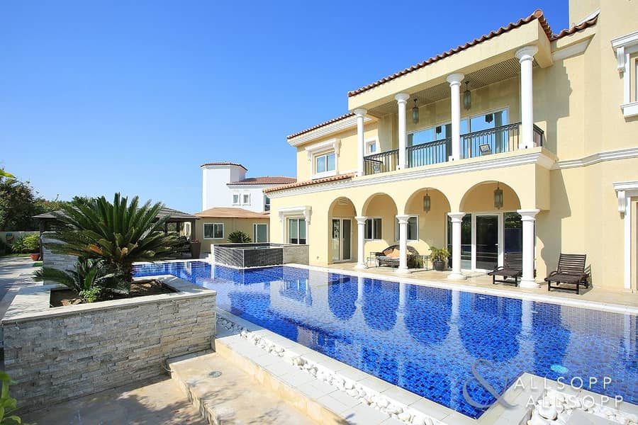 2 Upgraded 6 Bed Luxury Villa | Private Pool