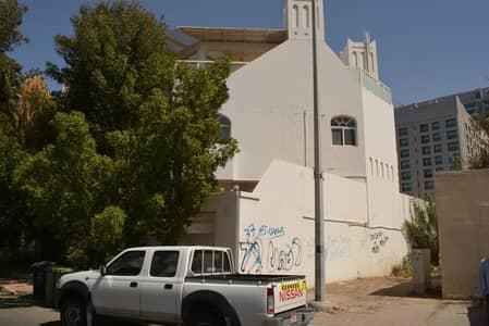 فیلا 5 غرفة نوم للايجار في شارع النصر، أبوظبي - فیلا في فيلا المسعود شارع النصر 5 غرف 220000 درهم - 3989106