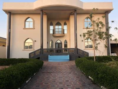 فیلا 6 غرفة نوم للبيع في الجرف، عجمان - Two-storey villa aljurf area is large with swimming pool