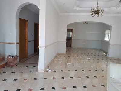 4 Bedroom Villa for Rent in Halwan Suburb, Sharjah - ***** HOT DEAL - Super Huge 4bhk With Pool Available in Halwan Area in Low Rents *****