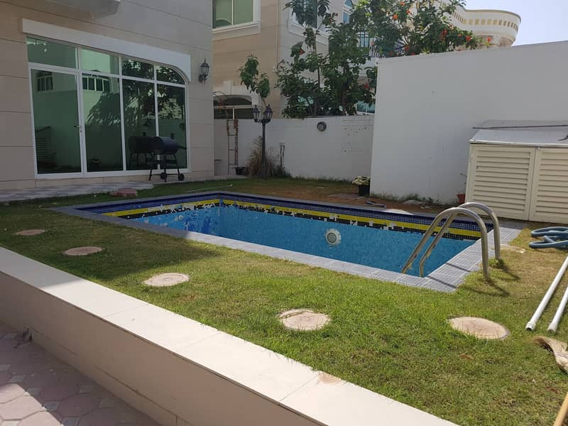 ***** HOT DEAL - Huge 4Bhk With Pool Duplex Villa Available in Al Fisht Area *****