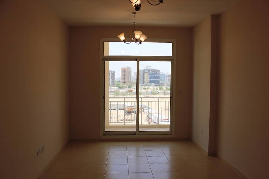 1 BR  Hall  with Big Balcany  750 Sqf  In New Building  Rent only 32k