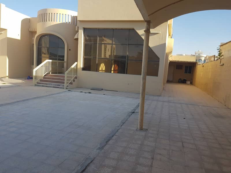 ***** Super Huge 3Bhk Single Storey Villa Available in Al Mirgab Area in Low Rents *****