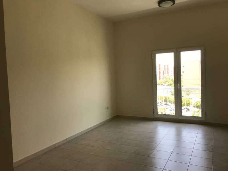 Studio Apartment l Spacious l Discovery Gardens