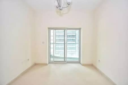 Distress Deal I Large Studio Apartment with Golf View Available