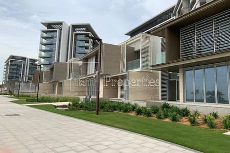 4 Bedroom Townhouse for Sale in Bluewaters Island, Dubai - 4 Bed Town House|Sea View| Ready to live