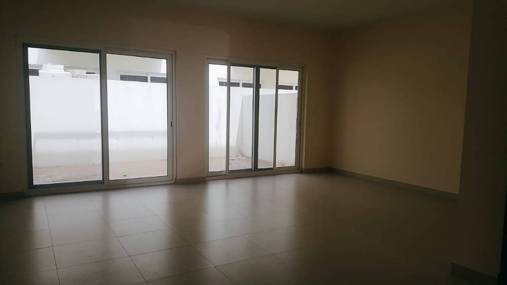 WOW! Offer Villa for Sale | 1350000 | Fantastic 3 Bed  Maid room | Near Garden | In Warsan, Dubai