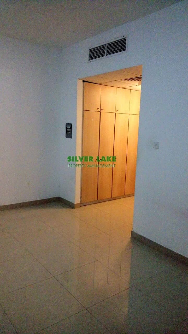 2 CENTRAL A/C STUDIO FLAT IN MADINAT ZAYED FOR 35K
