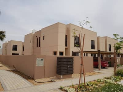 4 Bedroom Townhouse for Rent in Muwaileh, Sharjah - 4BR End Unit Townhouse For Rent in Al Zahia