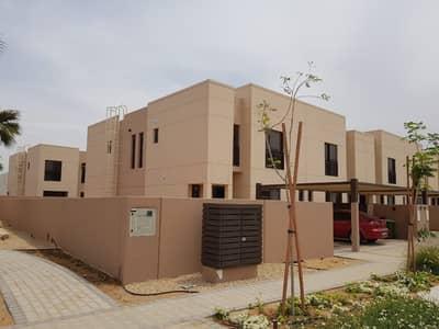 تاون هاوس في الزاهية مويلح 4 غرف 125000 درهم - 3997113