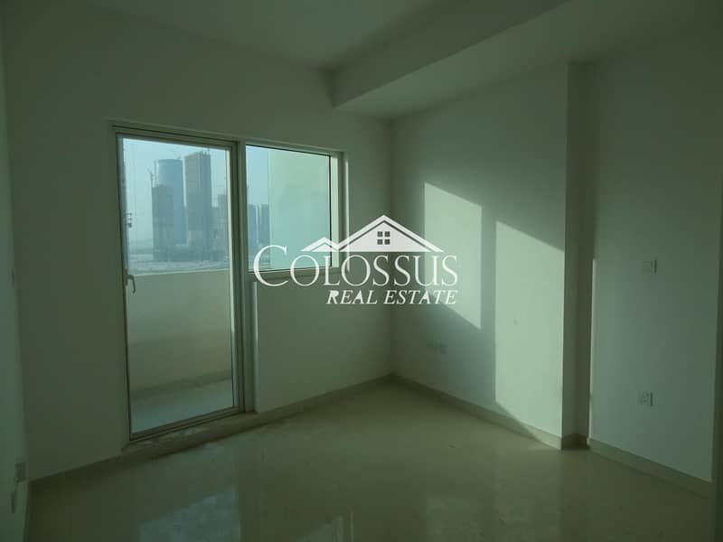 GREAT OFFER! Spacious Fully Furnished One Bedroom Apartment in Marina Bay with Seaview