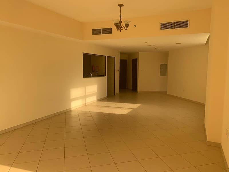 Apartment for rent in mazaya 3 queue point
