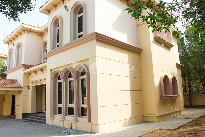 Beautiful 6 Bedrooms Villa for Rent in Al Safa 1
