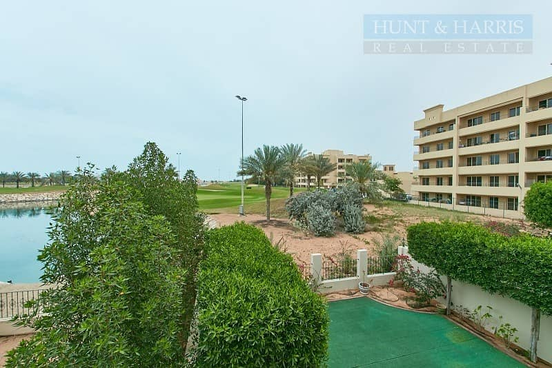 Exclusive | Lagoon View | Upgraded Townhouse