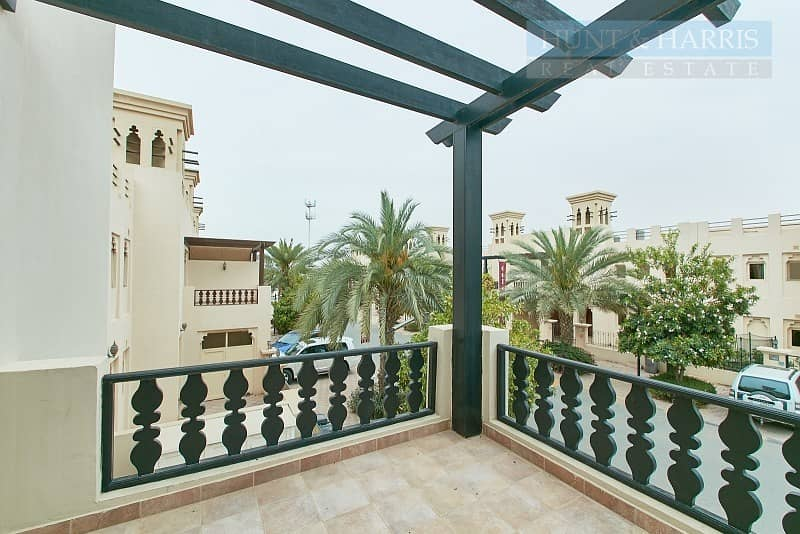 12 Exclusive | Lagoon View | Upgraded Townhouse