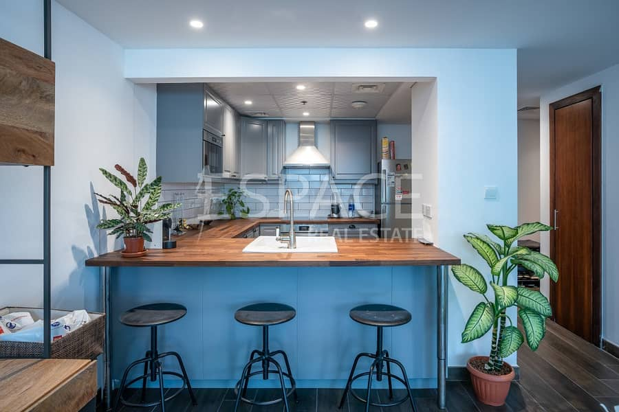 2 Fully Upgraded | Central Location | 1 Bed