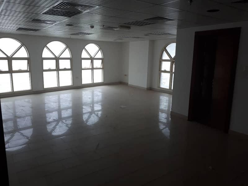 مكتب للايجار ببناية سيتي بلازا 8 على دوار القصباء بشارع التعاون الرئيسي موقع متميز قريب من دبي