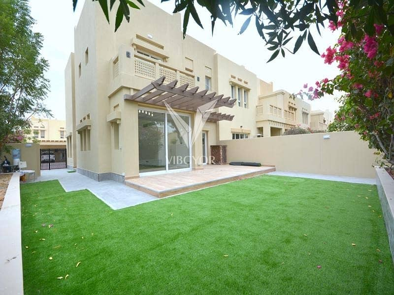LAVISH CONTEMPORARY FULLY UPGRADED 4 BED VILLA ZULAL-THE LAKES