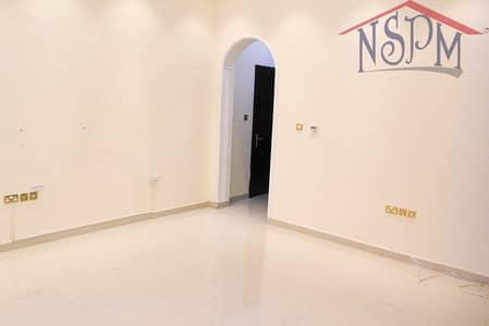Studio for Rent in Al Zaab, Abu Dhabi - HOT! Clean and well-kept studio in Al bateen