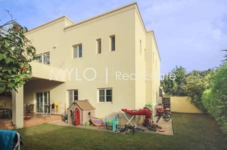4 Bedroom Villa for Sale in The Lakes, Dubai - Exclusive-Single Row T2-Price Negotiable