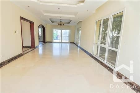 4 Bedroom Villa for Rent in The Meadows, Dubai - One of a kind 4 bed villa