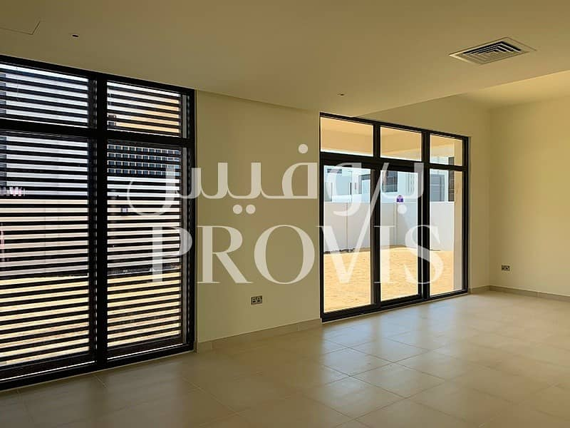 2 Hot Deal! 5Bed Brand New Villa! West Yas