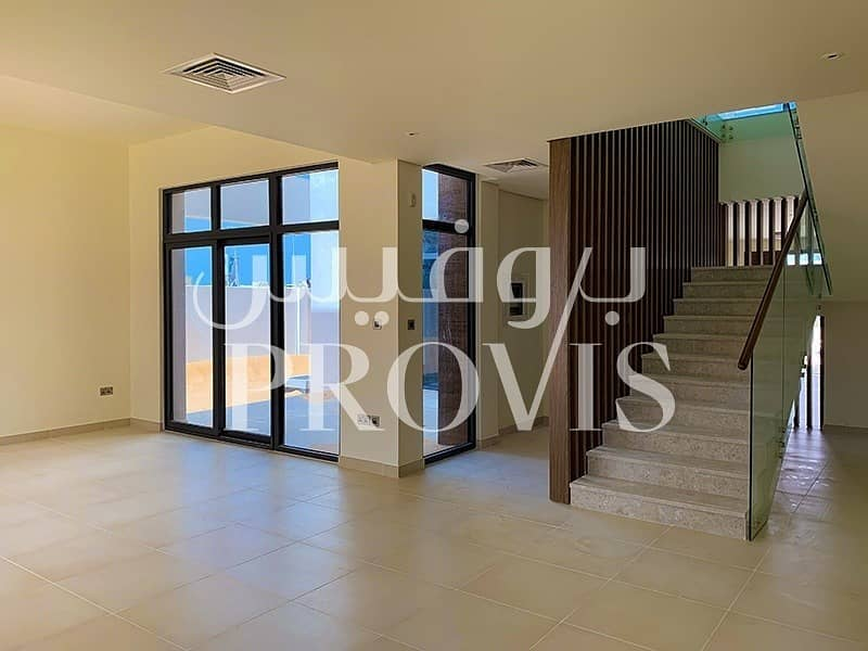 Hot Deal! 5Bed Brand New Villa! West Yas