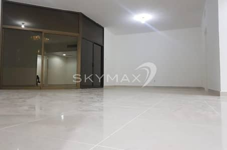 4 Bedroom Flat for Rent in Electra Street, Abu Dhabi - Beautiful Apartment!! 4BHK+2 Huge Balcony in Electra Street