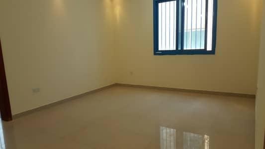 فیلا 30 غرفة نوم للايجار في الطويلة، أبوظبي - فیلا في الطويلة 30 غرف 650000 درهم - 4008851