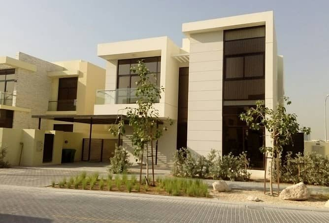 2 go in to you.......... villa by 10 % deposit & 3 years installments
