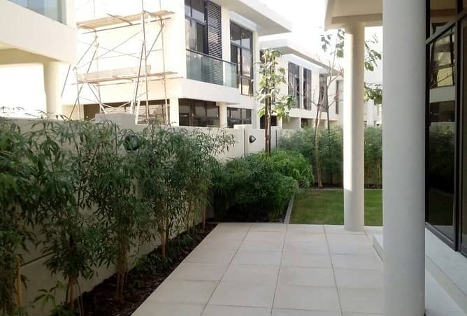 16 go in to you.......... villa by 10 % deposit & 3 years installments