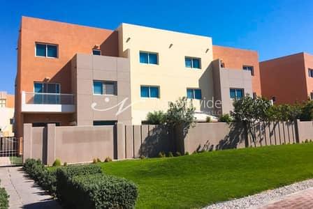 2 Bedroom Villa for Sale in Al Reef, Abu Dhabi - Good Deal 2BR Contemporary Villa w/ Study