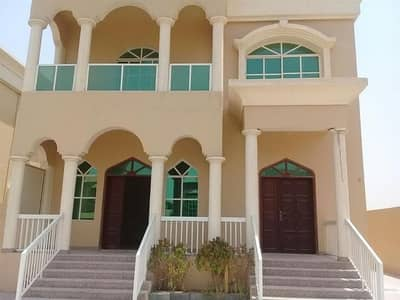 5 Bed Room Hall Villa with Majlis for rent
