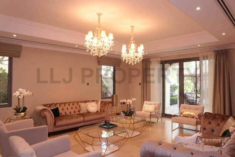 2  Location & Lifestyle! High Quality Villa!!