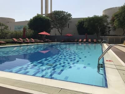 فلیٹ 1 غرفة نوم للايجار في الطريق الشرقي، أبوظبي - *Luxury Living* Large 1 Bedroom Unit + Appliances!