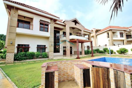 5 Bedroom Villa for Rent in Jumeirah Islands, Dubai - Must See - The Mansions - Full Lake View