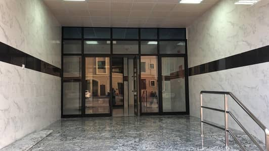 استوديو  للايجار في الراس، أم القيوين - للايجار اسيديو (اول سكن) في امارة ام القيوين  علي شارع المالك  فيصل -باسعار ممتزة