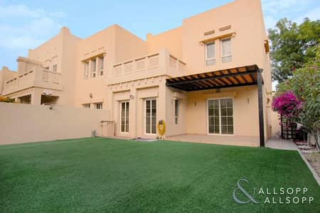 3 Bedroom Villa for Rent in The Lakes, Dubai - Upgraded Bathrooms | Close To Two Pools<BR/>