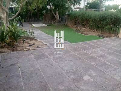 4 Bedroom Villa for Rent in Jumeirah, Dubai - Near the Beach!Very spacious well lit 4Bed+Maid's...