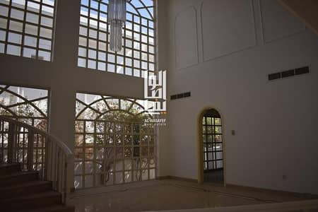 5 Bedroom Villa for Rent in Jumeirah, Dubai - Spacious 5 Bed+Maid's villa with a private pool