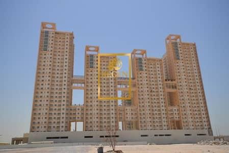 فلیٹ 2 غرفة نوم للبيع في مدينة دبي للإنتاج، دبي - Two Bed Room Hall with Maids Room at Centrium Tower For Sale