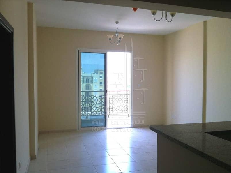 شقة في طراز الإمارات المدينة العالمية 1 غرف 32000 درهم - 3427317