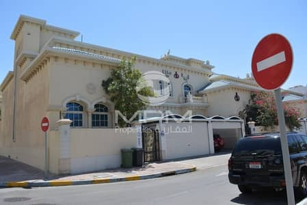 5 Bedroom Villa for Rent in Al Khalidiyah, Abu Dhabi - Spacious